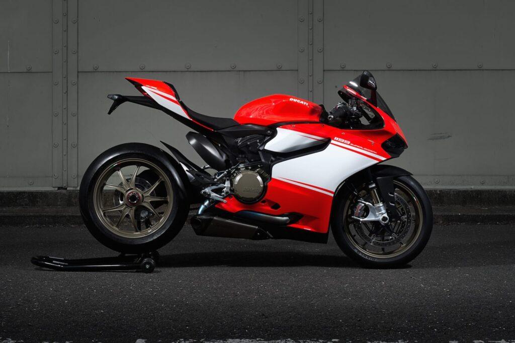 Ducati_1199_Superleggera_web_1