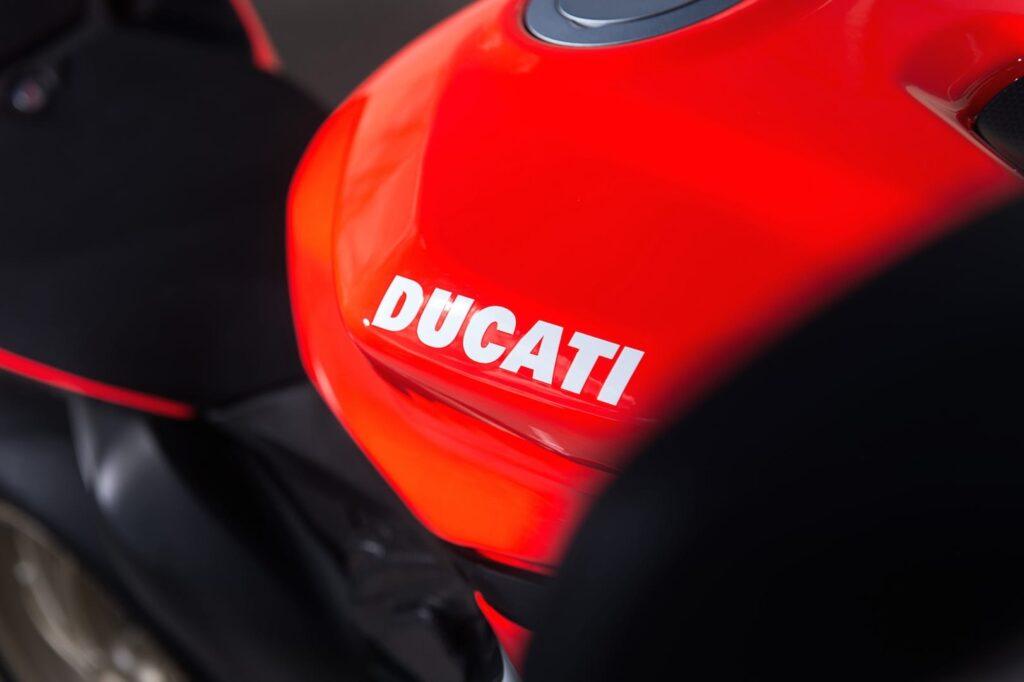 Ducati_1199_Superleggera_web_12