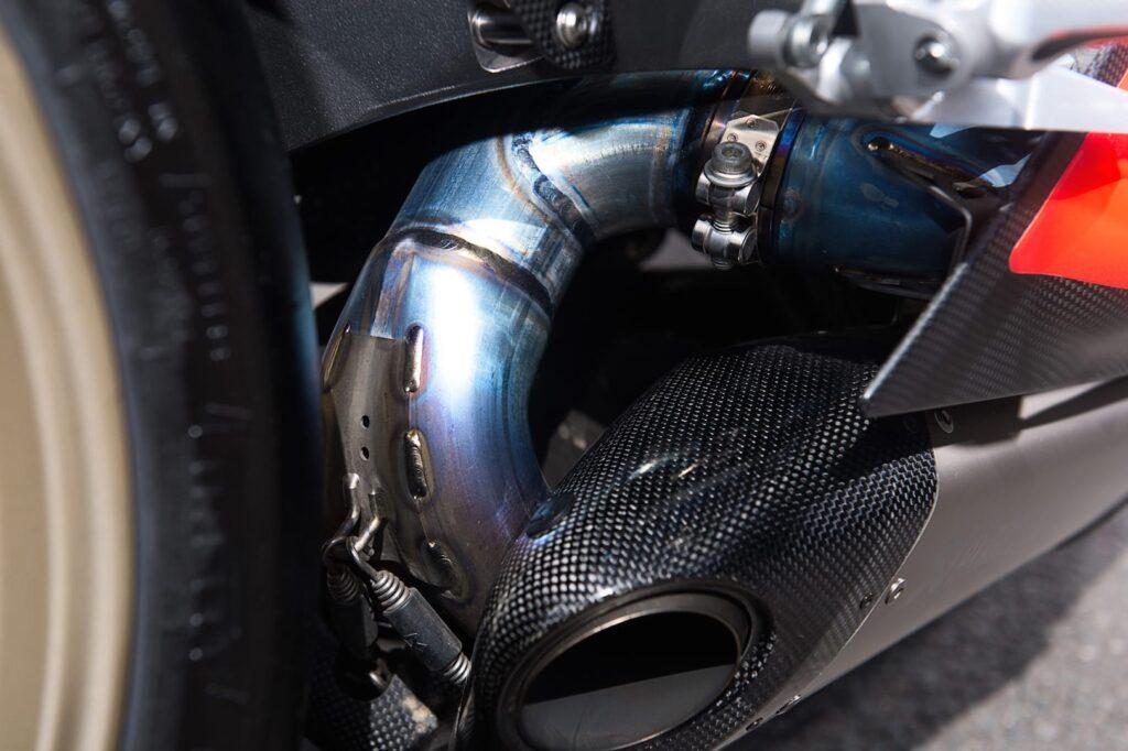 Ducati_1199_Superleggera_web_15