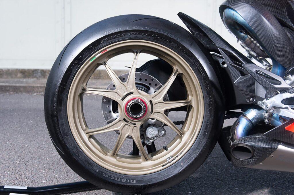Ducati_1199_Superleggera_web_17