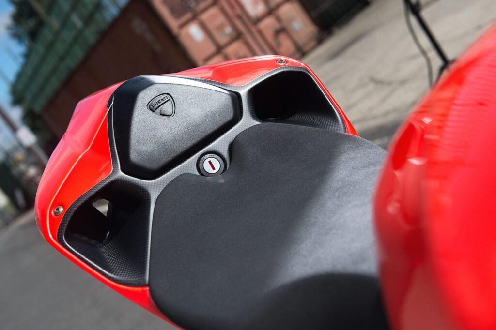 Ducati_1199_Superleggera_web_28
