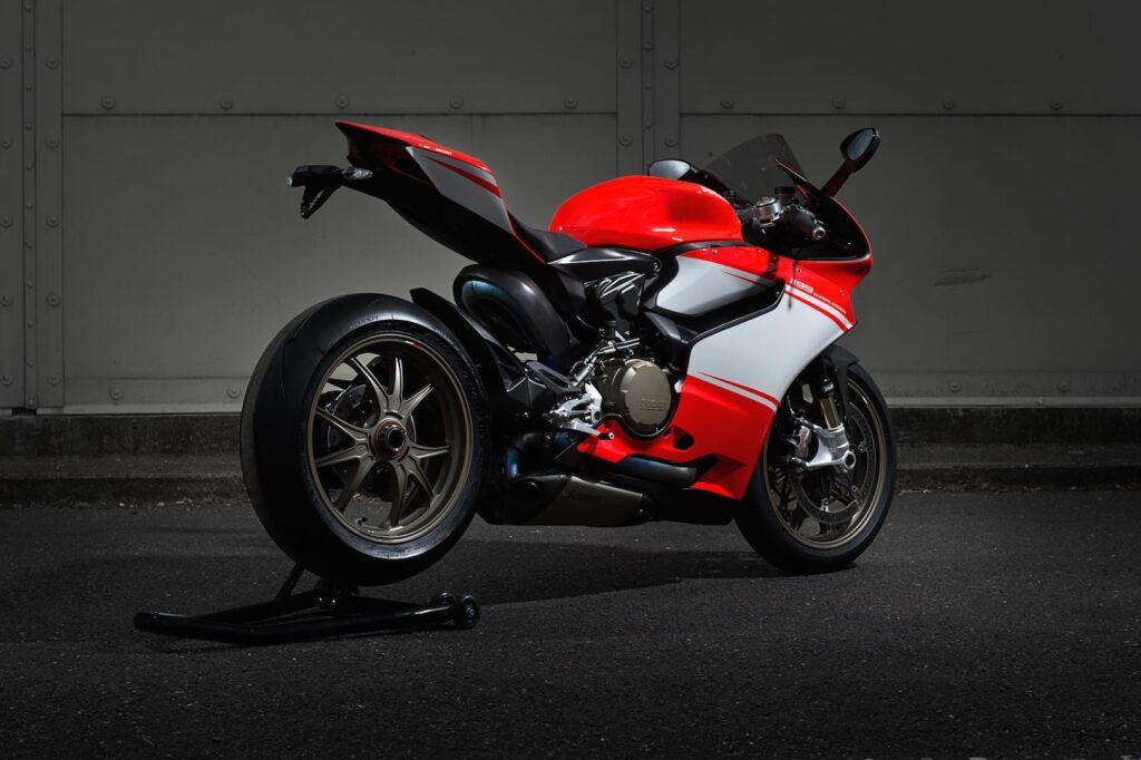 Ducati_1199_Superleggera_web_4