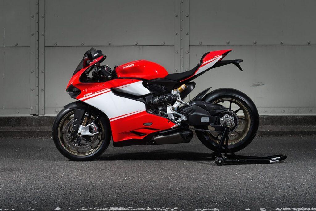 Ducati_1199_Superleggera_web_8