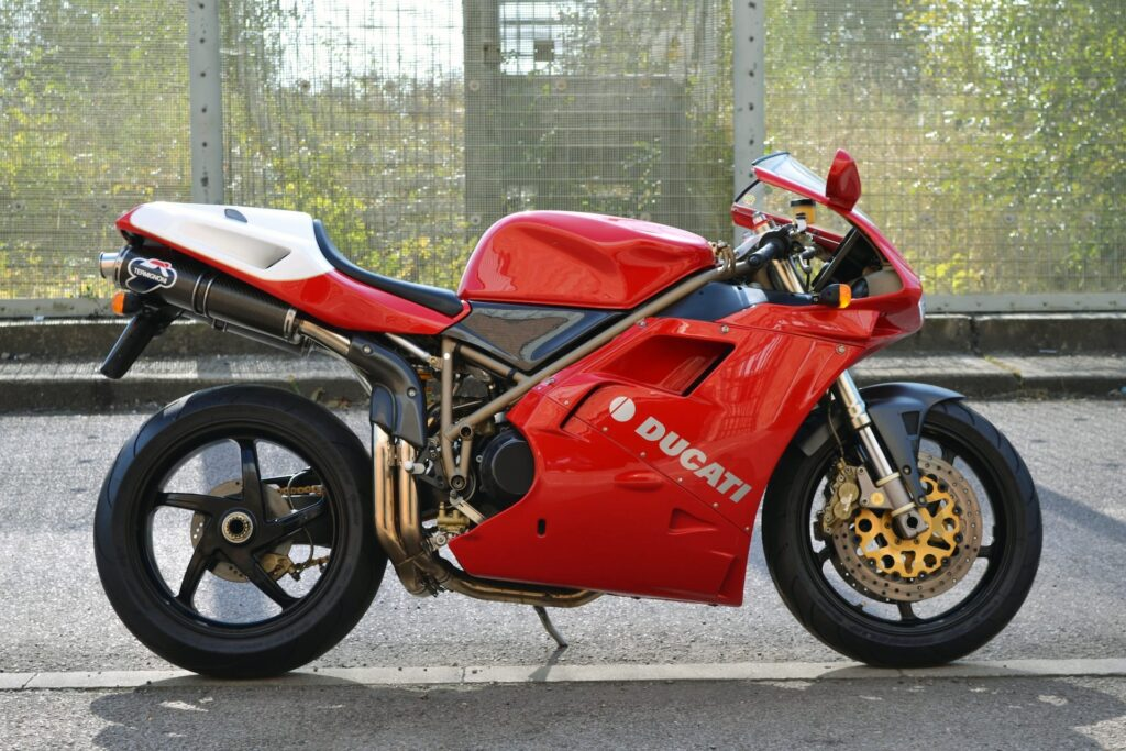 Ducati_916_SPS_web_3